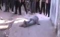 Katil Esad'ın askerleri Suriyeli sivilleri işte böyle sorguluyo ''Rabbin Olan Esed'e Secde Et''